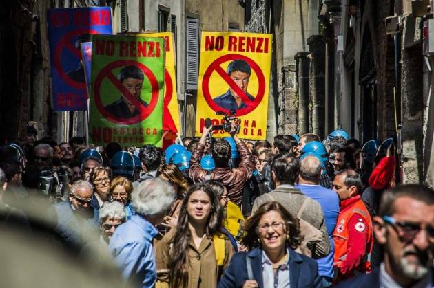 [DallaRete] Una Questura impazzita. Cronaca del folle tentativo di reprimere la doverosa contestazione contro Renzi a Bergamo