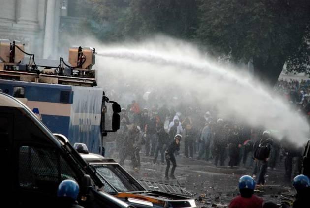 Roma – Processo 15 Ottobre 2011 – 15 condanne a 61 anni di carcere