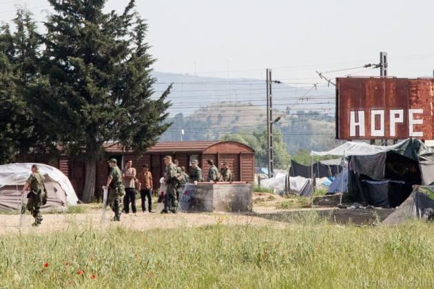 [DallaRete] #Overthefortress a Idomeni. Iniziato lo sgombero del campo e la deportazione dei migranti