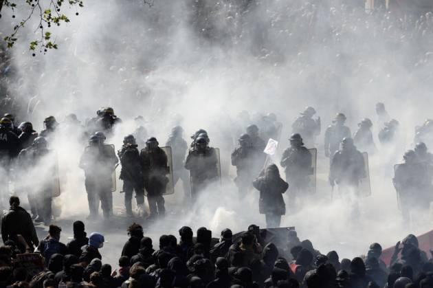[DallaRete] Francia – Lo stato d'emergenza contro le lotte sociali