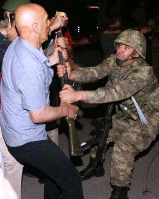 [DallaRete] Turchia: la frattura insanabile e ora la stretta autoritaria. Fino a dove?