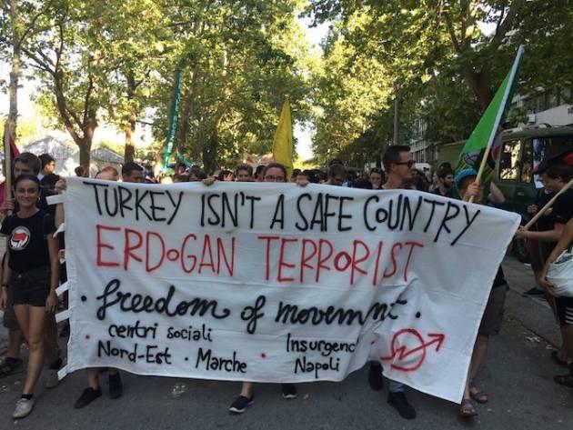 """[DallaRete] Salonicco – """"Erdogan terrorist!"""", il NoBorderCamp a fianco della Turchia che resiste"""
