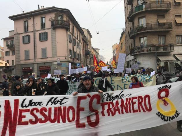 Milano – Corteo solidale alla Montello [photogallery]