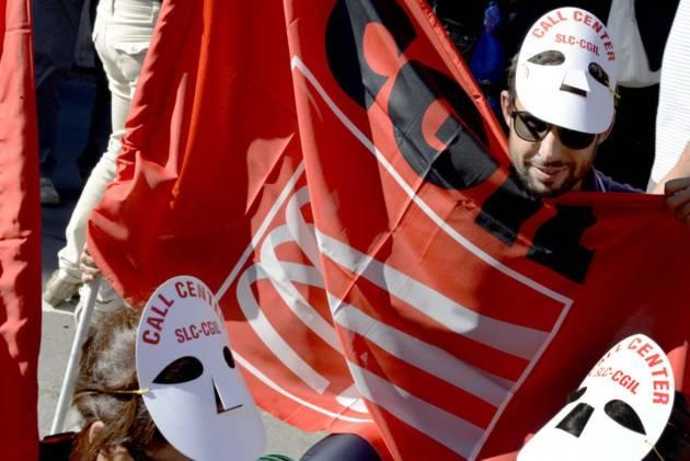 [DallaRete] Almaviva, i lavoratori di Roma per la trattativa ma l'azienda licenzia