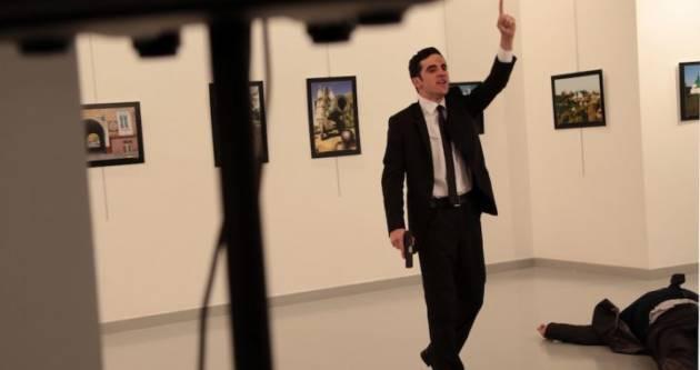 [DallaRete] Ucciso l'ambasciatore russo ad Ankara