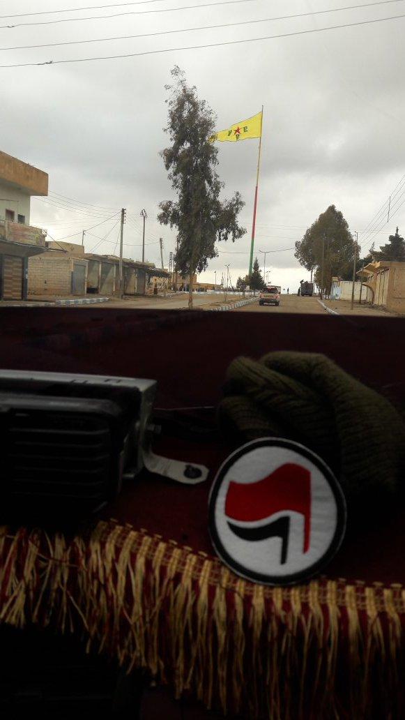 Rojava – Una Rivoluzione in cammino tra ISIS e Turchia