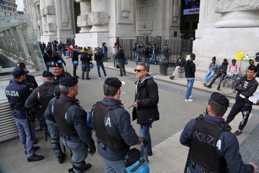 Rastrellamenti, fermi e deportazioni: il martedì della vergogna di Milano