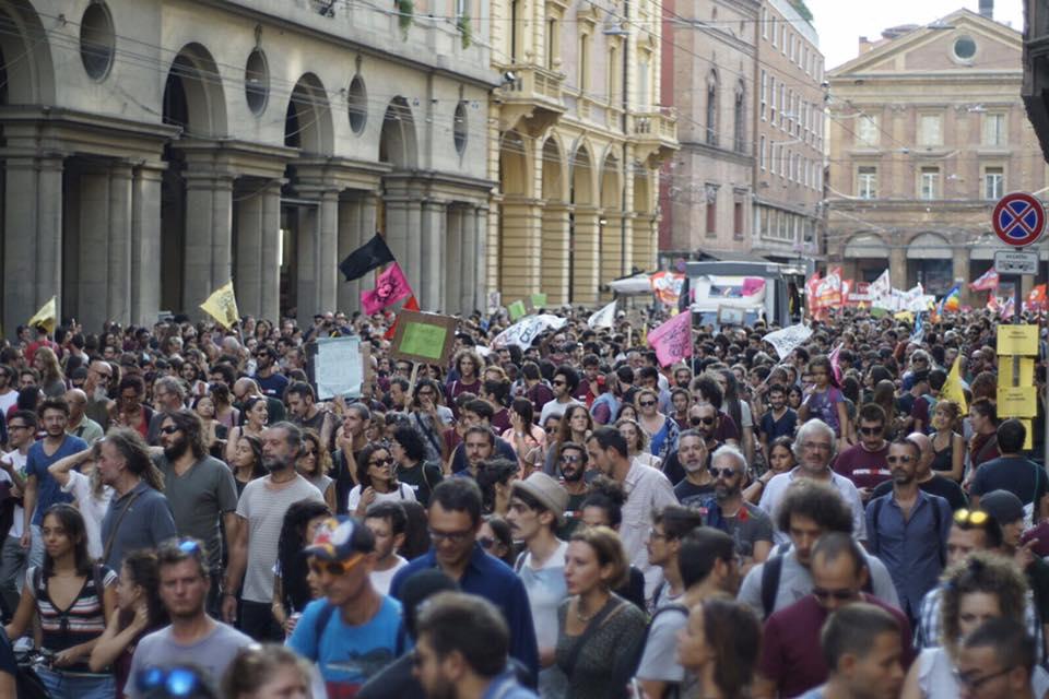 Bologna – La manifestazione delle donne e degli uomini liberi