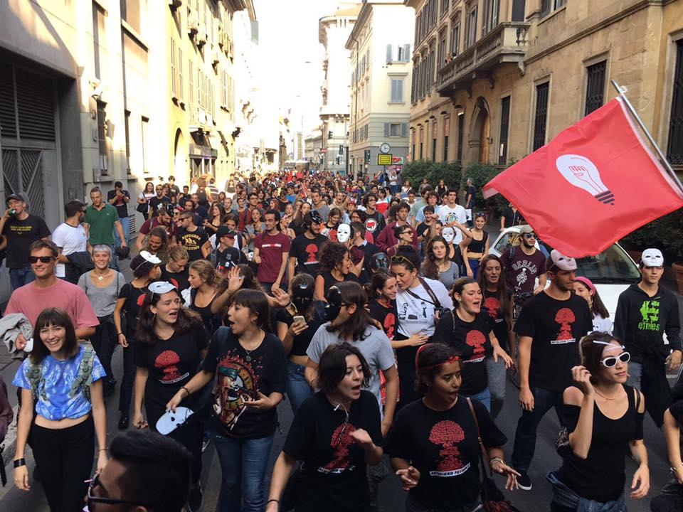 Assedio Culturale – Un LUMe nel centro di Milano