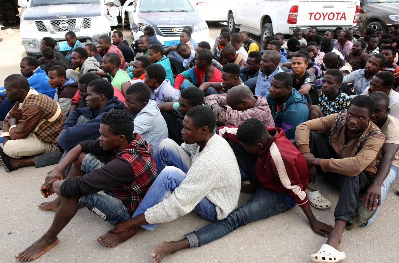 Accordo tra l'Italia e le milizie per fermare i migranti in Libia
