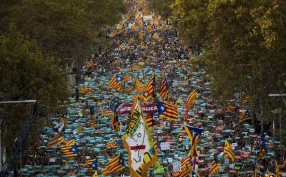 155 versione dura, l'autonomia catalana è sotto sequestro