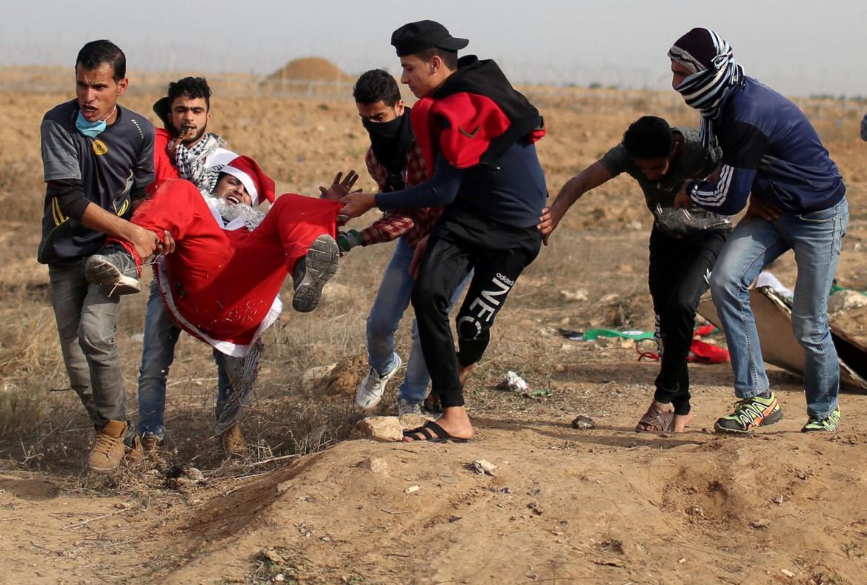 Due morti e decine di feriti ma la protesta palestinese non si spegne