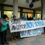 Il flash mob dei riders Deliveroo contro il cottimo e per i diritti