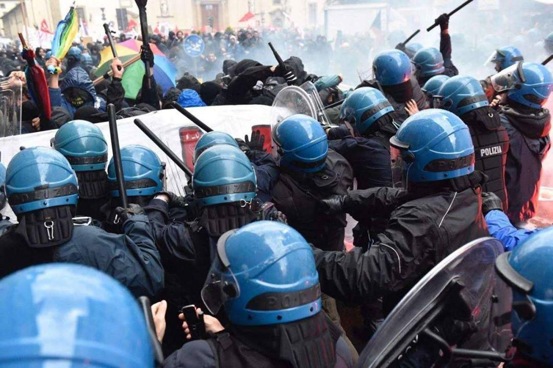 25 denunce contro i manifestanti che avevano sfidato la Leopolda di Renzi – Da C'è chi dice NO!