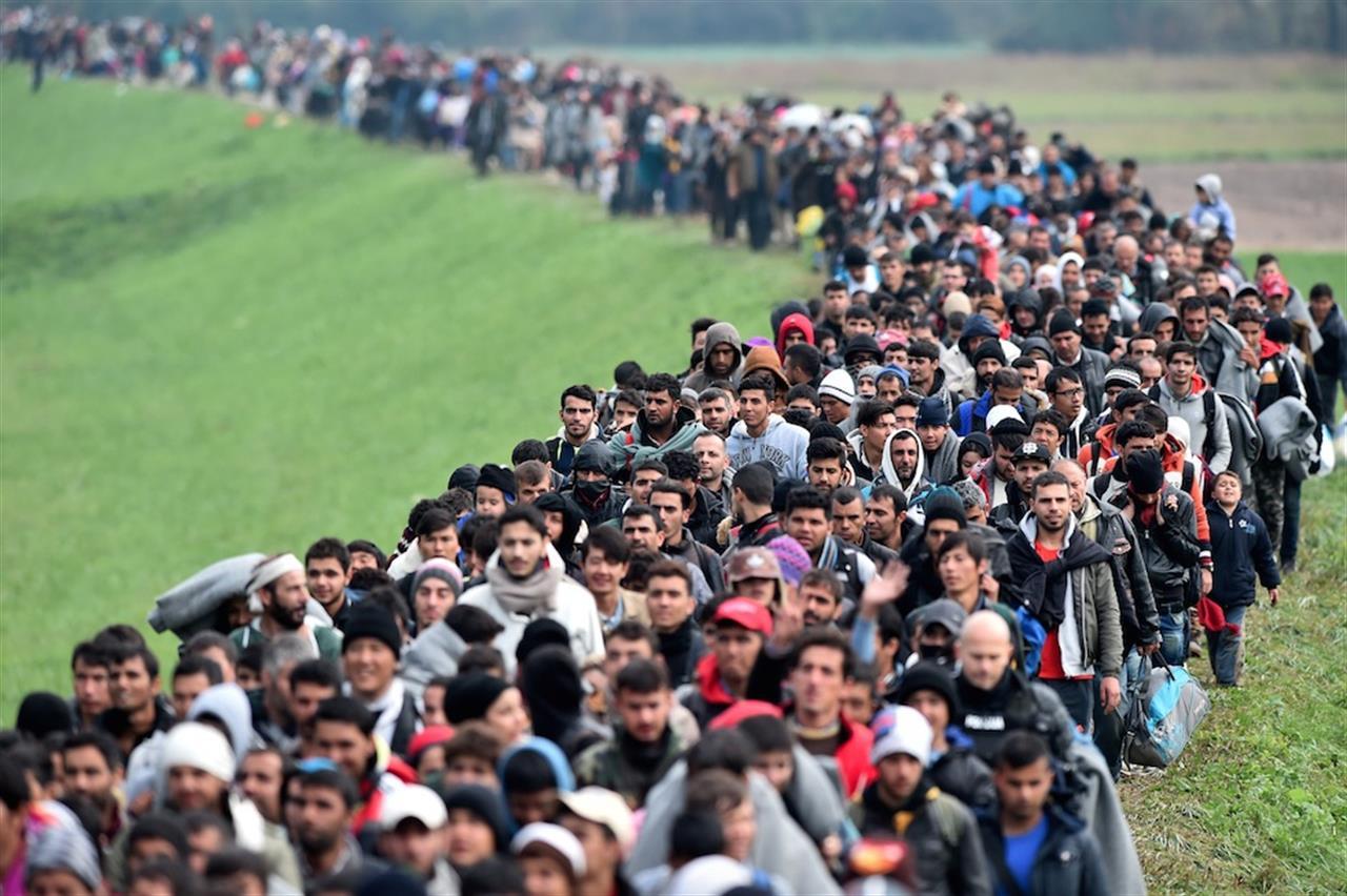 Migranti 2018 – I tanti fronti della battaglia per restare umani