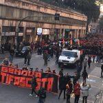 Migliaia di antifascisti in piazza a Genova nel giorno della sparatoria razzista di Macerata