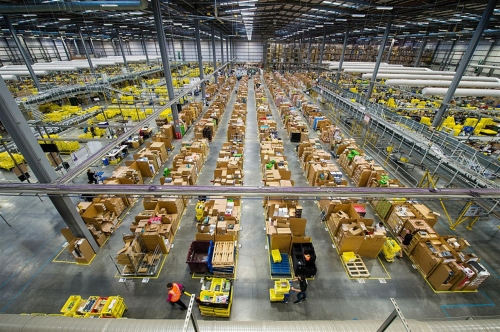 Amazon – Ci mancava il braccialetto elettronico!