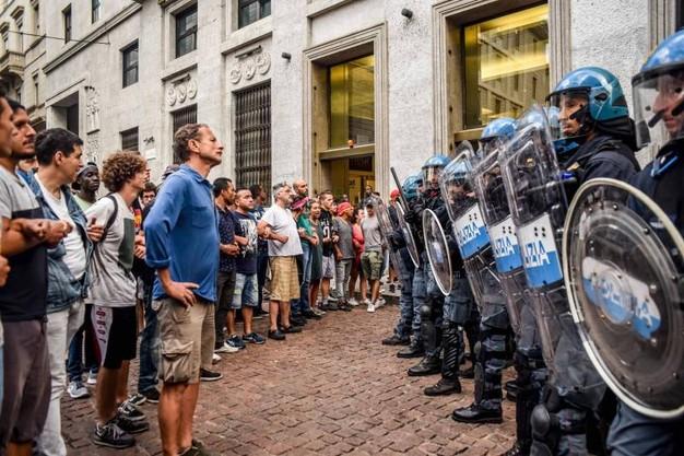 L'antifascismo non è reato. Tranne che per la procura di Milano