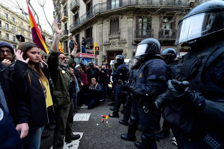 La guerra di Madrid per via giudiziaria