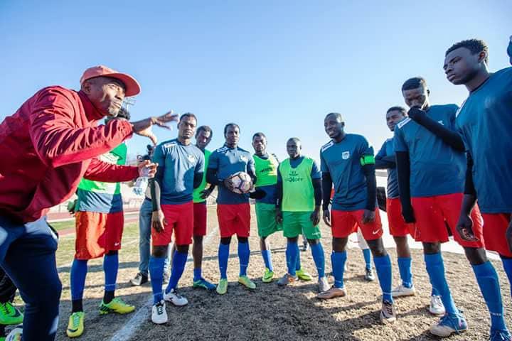 Minacce e insulti razzisti alla squadra di calcio di migranti