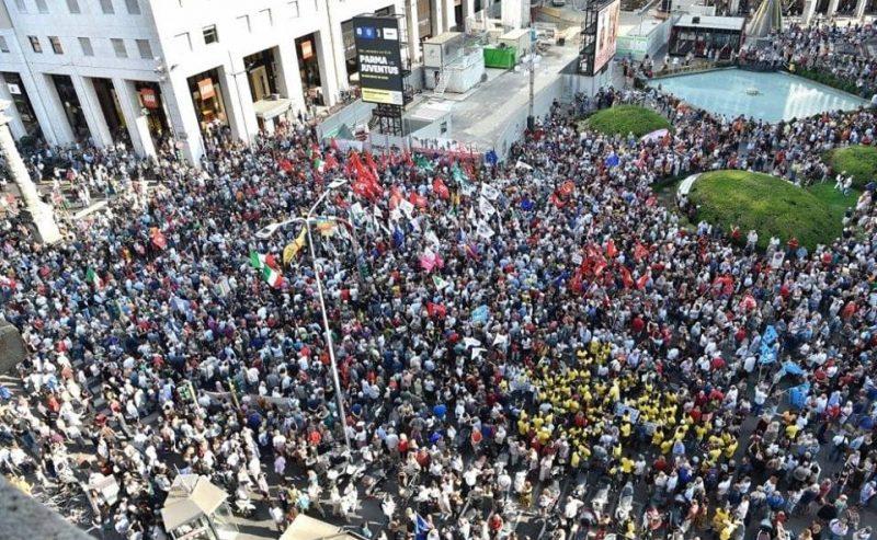 Contro Orbán & Salvini Milano c'è! – 15.000 in piazza