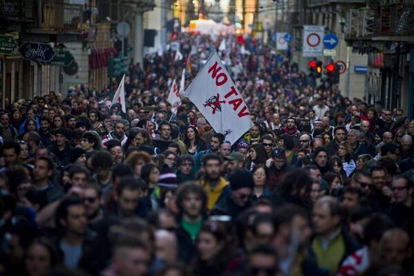 In piazza l'8 dicembre a Torino! Comunicato NoTav