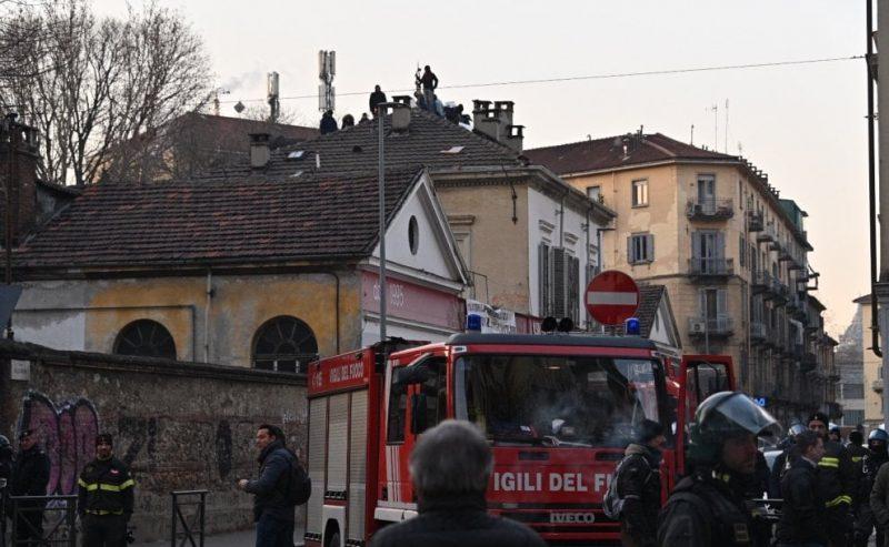 Gestione M5S: cronaca di sgomberi e arresti a Torino