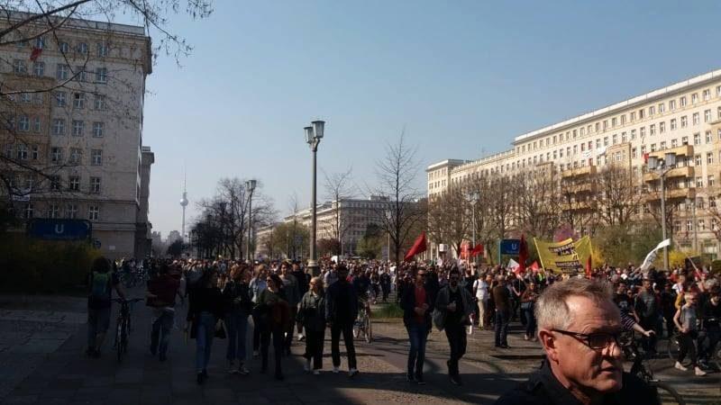 In 50.000 a Berlino contro gli squali dell'affitto