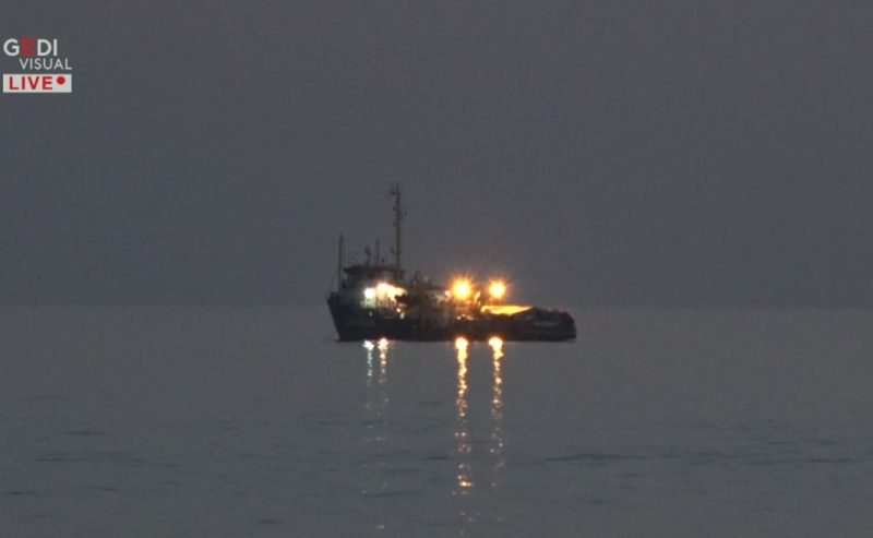 «Buonasera, la informo che viro la nave ed entro nelle acque territoriali»