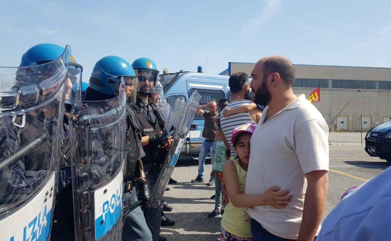 Soresina (Cremona), dure cariche contro i facchini in sciopero