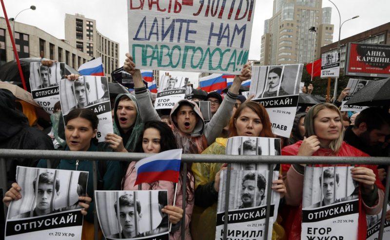 Mosca, il pugno duro di Putin non ferma la protesta