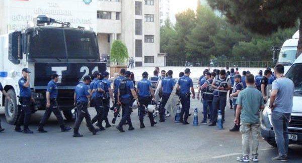 Deposti sindaci nelle città curde: HDP fa appello alla resistenza contro il golpe politico