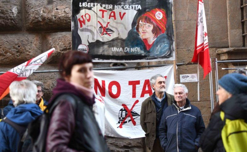 La protesta della Val Susa: «Libertà per Nicoletta Dosio»