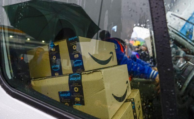 Sciopero dei driver, Amazon bloccata in tutta la Lombardia