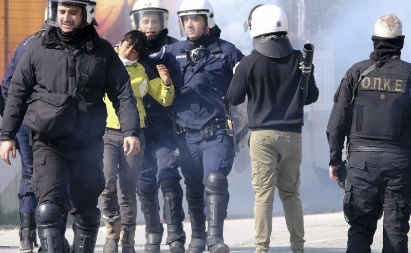 Lesbo è assediata: aggressioni fasciste e spari sui migranti
