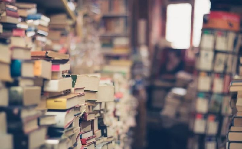 Riaperture – Il campo di battaglia delle librerie