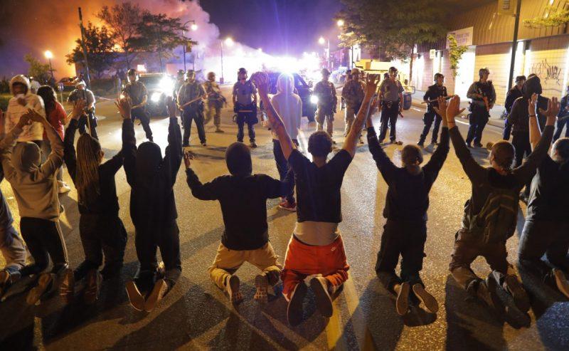 La rivolta si prende l'America e diventa uno scontro di classe