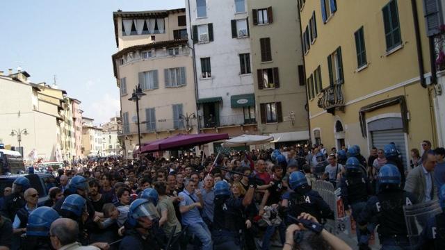 Strage di piazza Loggia: assoluzioni per le cariche del 2012. Giovedì 28 maggio si torna in piazza