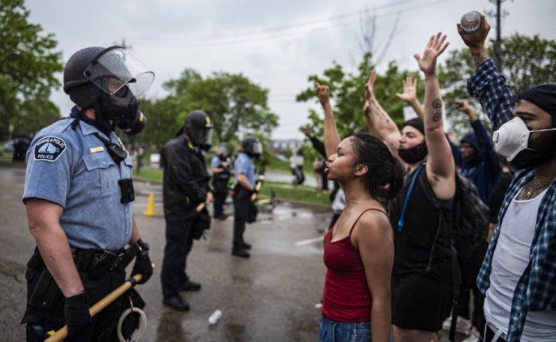 La rivolta di Minneapolis: «Giustizia per George»