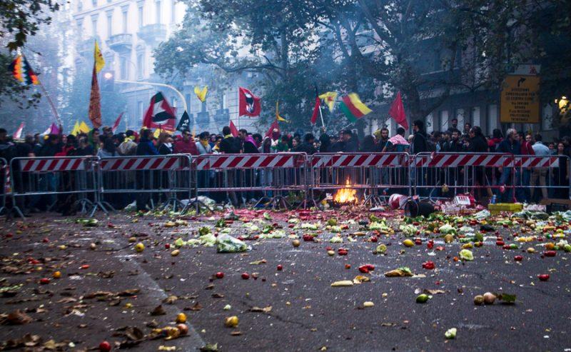 Decreto Salvini – 7 denunce per l'assedio popolare al Consolato turco