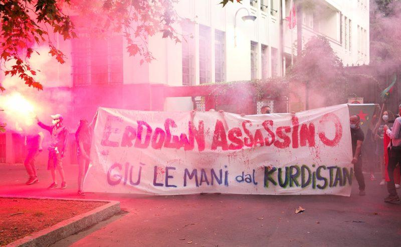 Azione al Consolato turco di Milano
