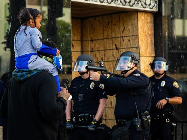 USA – Decima notte di proteste contro il razzismo sistemico
