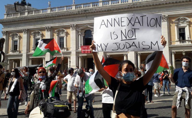 «La Palestina non è più in vendita». In migliaia in Italia contro l'annessione
