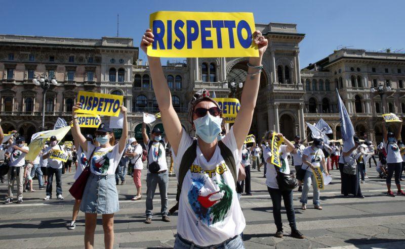 Presidio davanti al ministero. «Stop privatizzazioni, assunzioni e sanità territoriale per tutti»