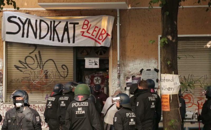 Sgomberato il Syndicat di Berlino, un simbolo della città in mano agli speculatori