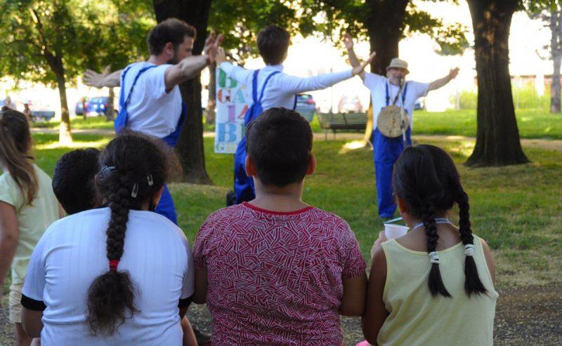 Le favole d'emergenza della Brigata Brighella – un crowdfunding per proseguire le incursioni teatrali