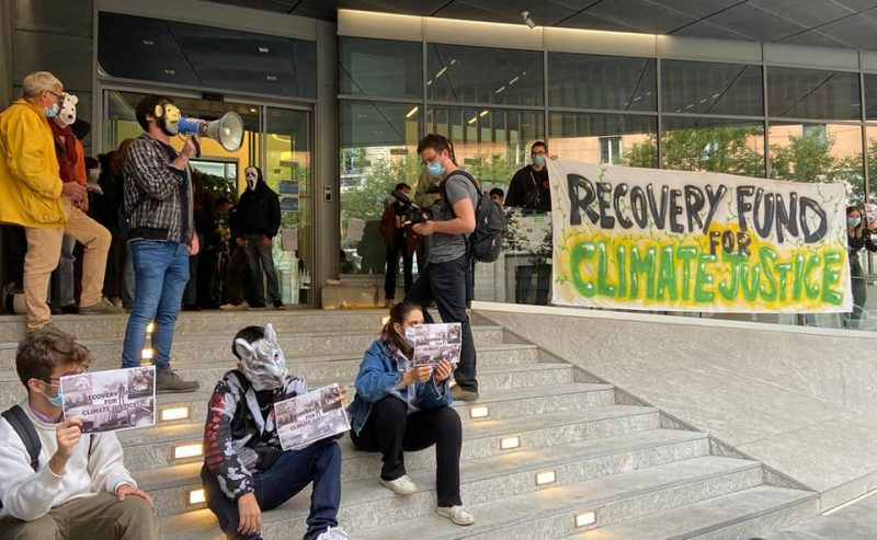 Climate Strike – Dopo il corteo occupata la Cassa Depositi e Prestiti