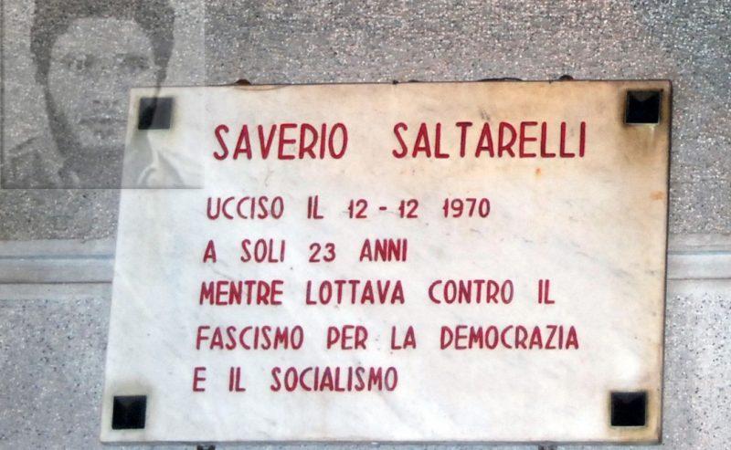 Rimettiamo al suo posto la lapide storica dedicata a Saverio Saltarelli