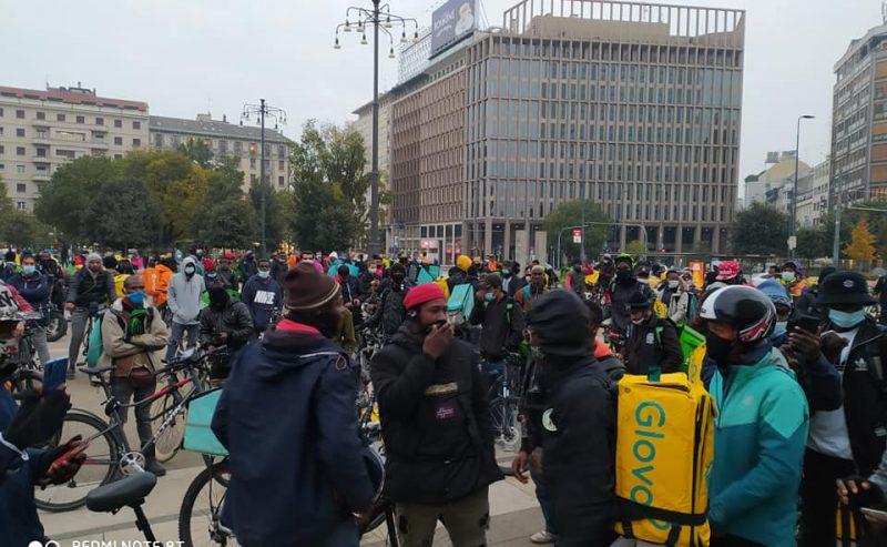 Stato di agitazione permanente: sciopero selvaggio dei riders in tutta la città