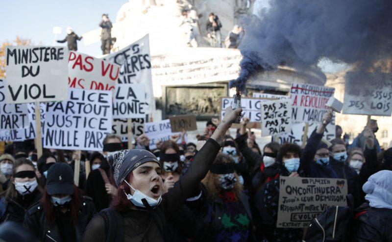 Tutta la Francia «en marche» ma contro il governo Macron